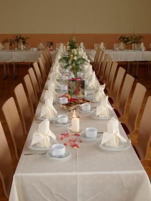 Tischdecke Farbe: Champagner; Design Lilie